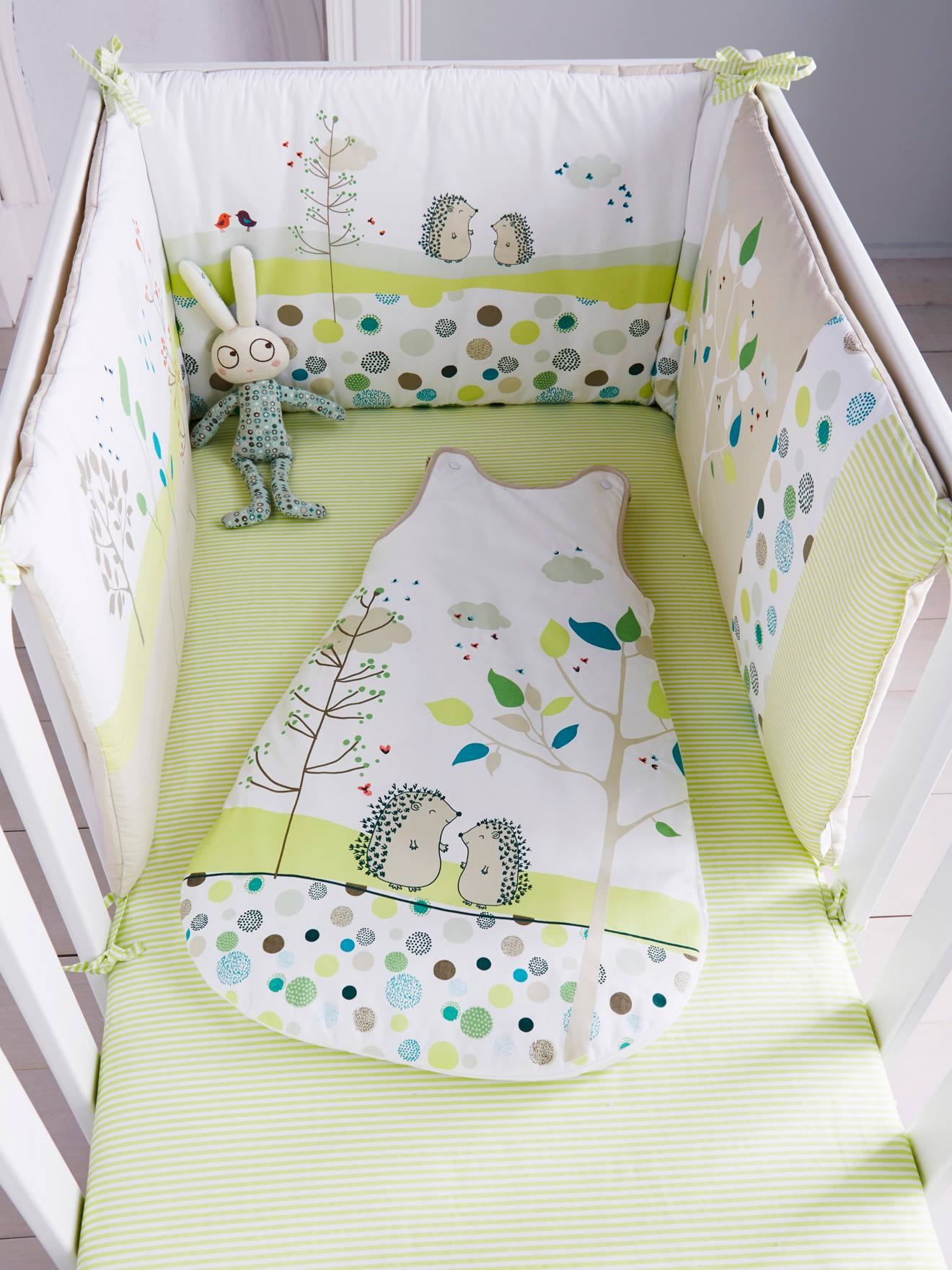 tour de lit pas cher fille cool crations lit bebe fille sur a little market lit bebe fille. Black Bedroom Furniture Sets. Home Design Ideas