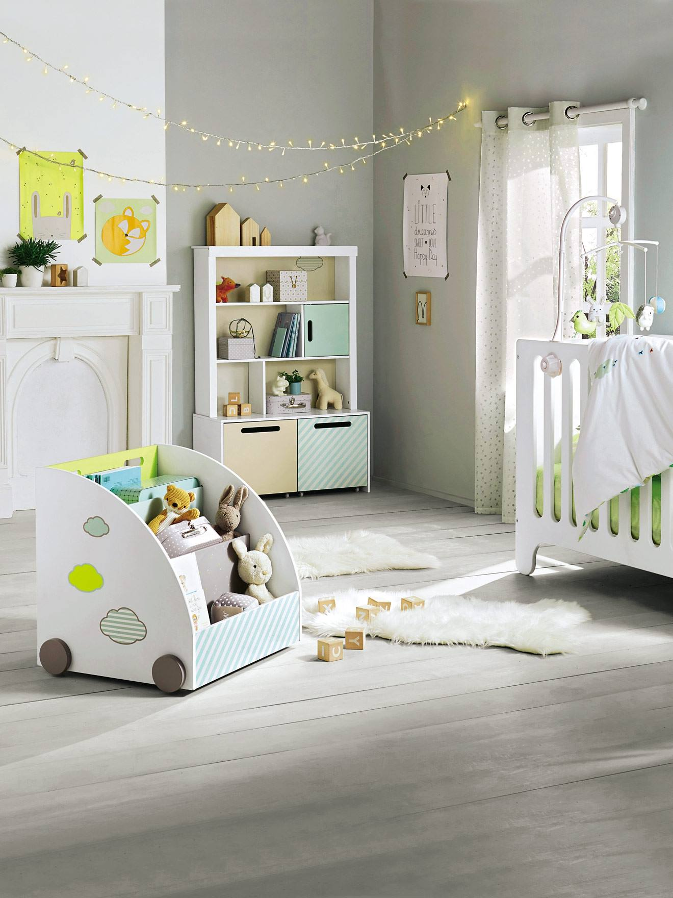 tour de lit b b brod th me pic nic vert vertbaudet. Black Bedroom Furniture Sets. Home Design Ideas