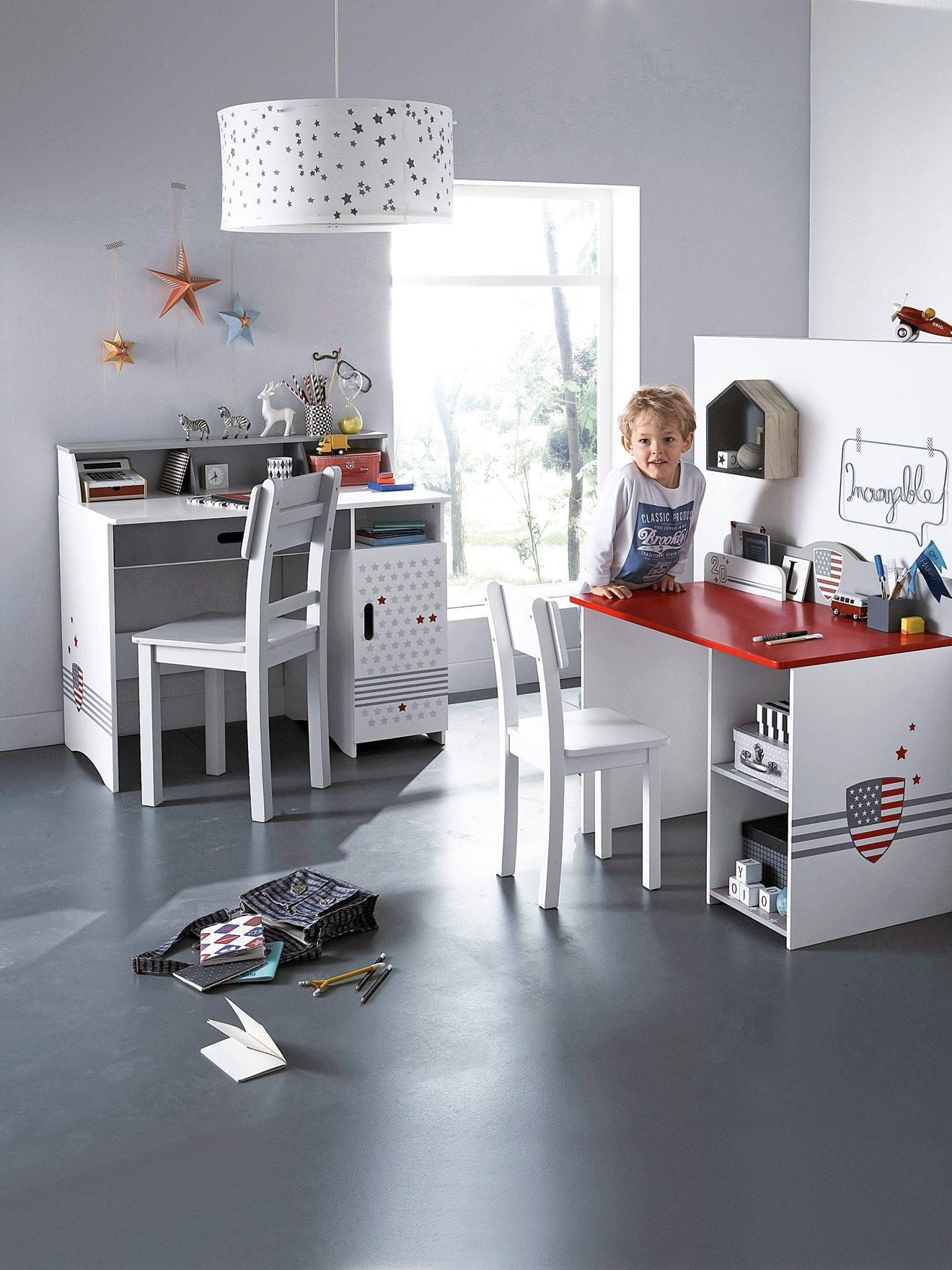 bureau fille vertbaudet top meubles et linge de enfant lit bblit combin with bureau fille. Black Bedroom Furniture Sets. Home Design Ideas