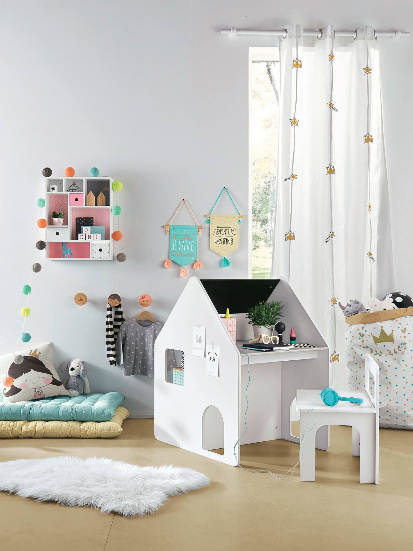 guirlande lumineuse chambre garon deco guirlande lumineuse chambre ado lumineuse chambre bebe. Black Bedroom Furniture Sets. Home Design Ideas