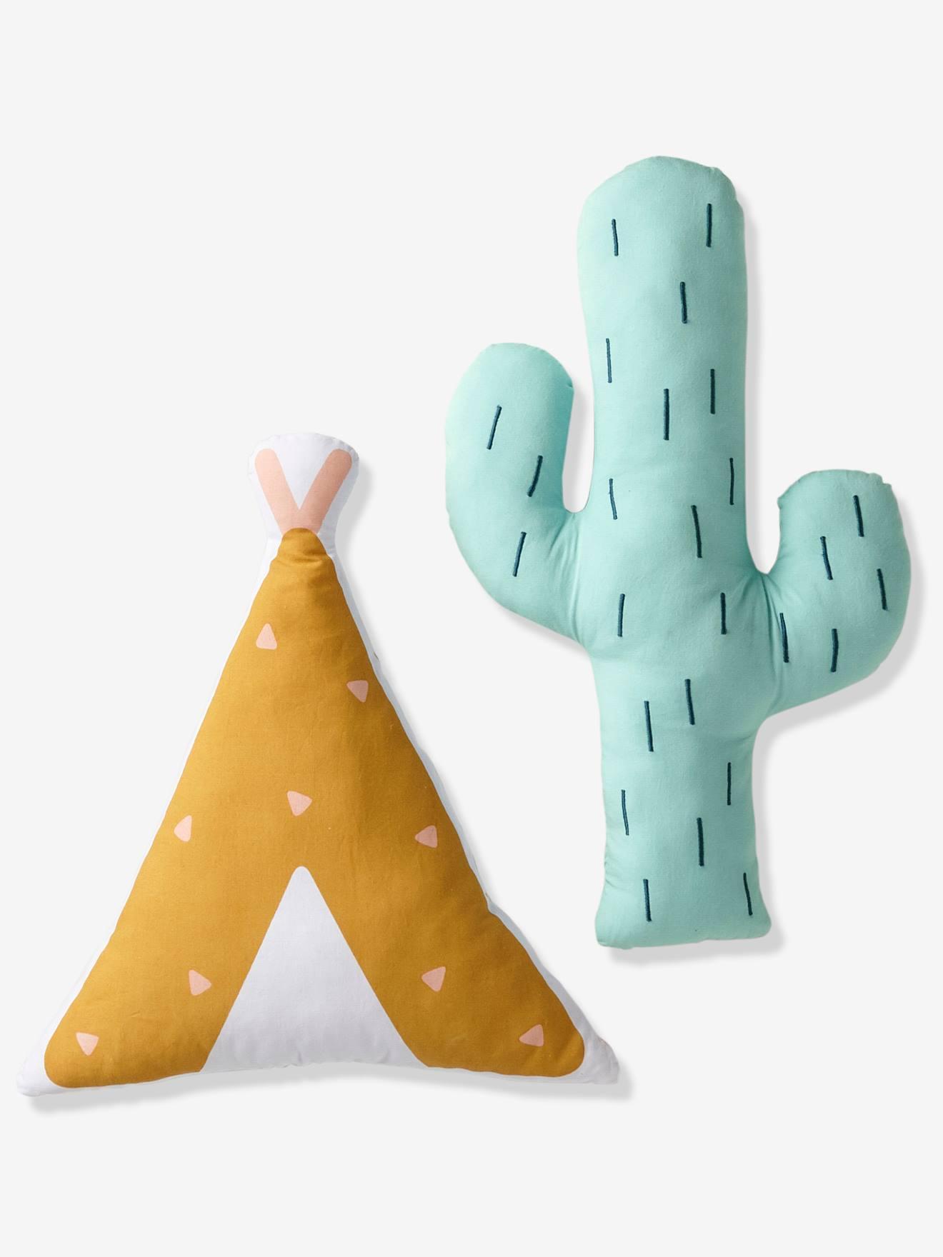 On marque le territoire des enfants avec une deco tout droit sortie des grandes plaines d Amerique ! Ces 2 coussins en forme de tipi et de cactus apporteront une petite touche aventuriere a la deco ! DIMENSIONS Tipi : 35 x 32 cm ; cactus : 26 x 40 cm. Non