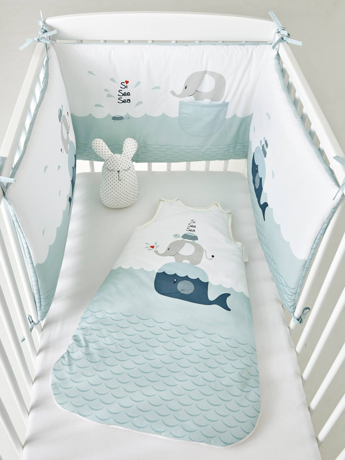 tour de lit. Black Bedroom Furniture Sets. Home Design Ideas