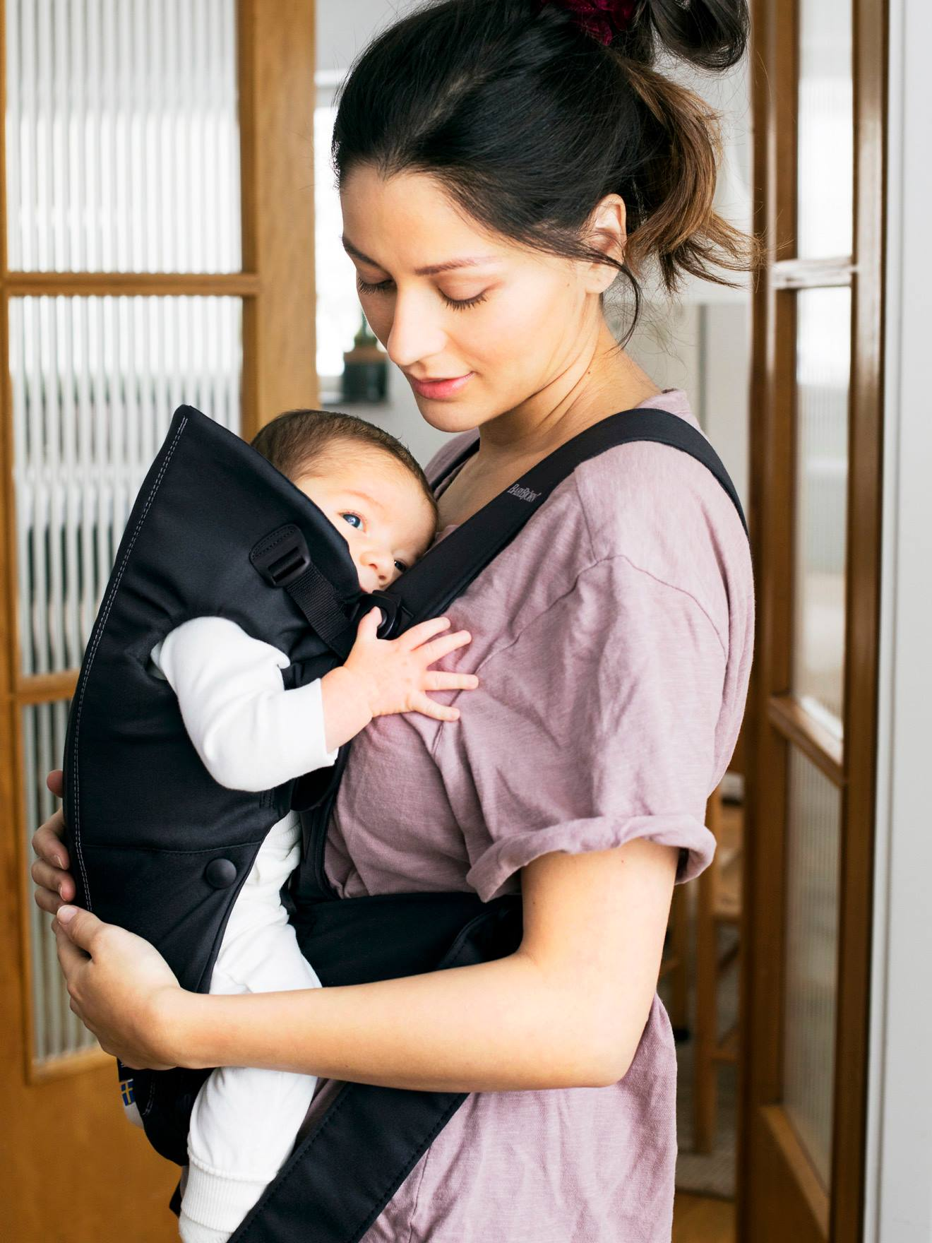 Porte-bébé Mini BABYBJORN noir - Baby bjorn 6ebd1ff2741